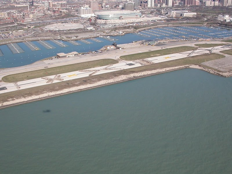 Meigs_field_runway4