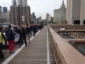 The Brooklyn Bridge Bike Lane Is a Disaster